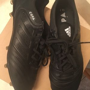Used Men's 9.5 Adidas Copa Soccer Cleats.